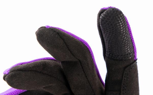 rh-100-lila-nahaufnahme-finger